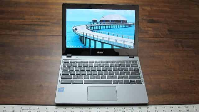 Acer Chromebook C720 on Table