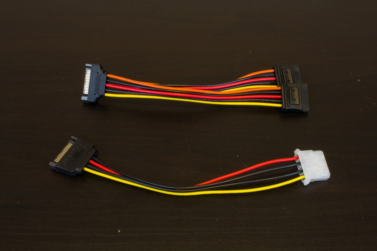 SATA Power Splitter and Molex Adapter